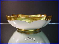 Pickard China Hand Painted Art Deco Dahlia Rubra 7D Fluted Corner Bowl Vobornik